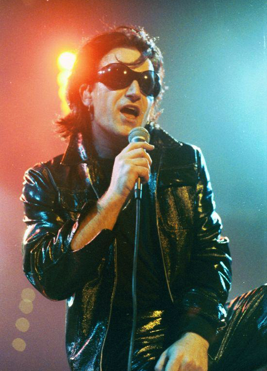 bono_as_the_fly_cleveland_1992