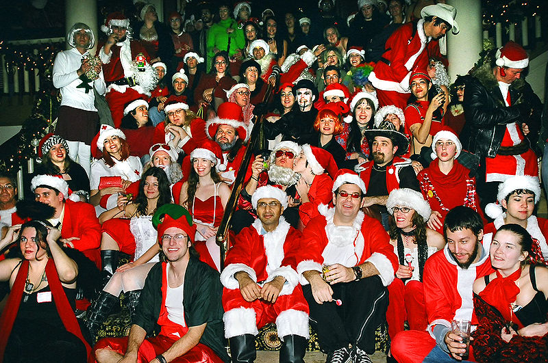 ) Santa Rampage in Austin, Texas 2004, by photographer Steve Hopson. See more photos at: * [http://www.stevehopson.com Steve Hopson's website — stevehopson.com], and * [http://www.stevehopson.com/SantaRampageIndex.htm Steve Hopson's Santa Rampage photos]